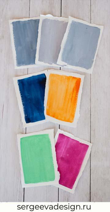 Сочетание серых оттенков с синим и желтым, с малиновым и салатовым